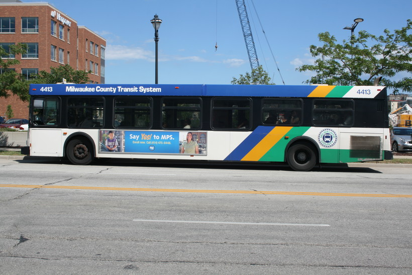 Milwaukee County bus
