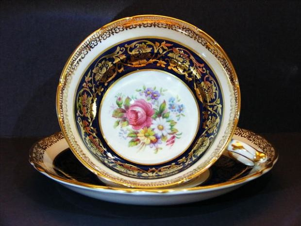 teacup and saucer, image by Mickey Glitter