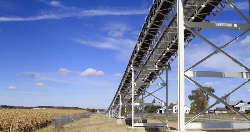 Frac sand processing conveyor belt