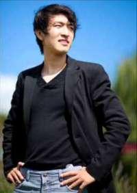 Photo of pianist Yangmingtian Zhao
