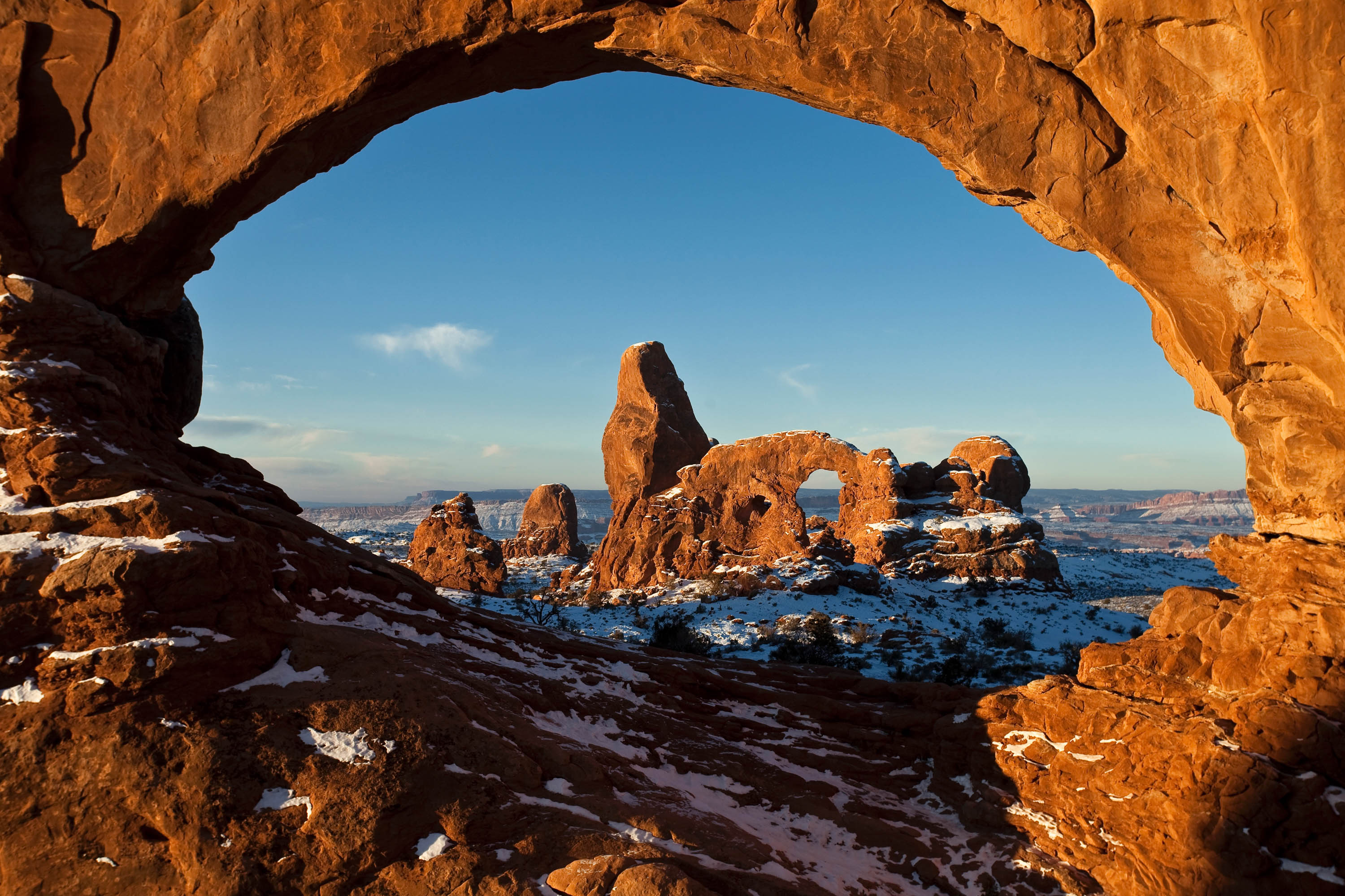 First Light on Turret Arch.&nbsp;<em>Jacob W. Frank (NPS)</em>