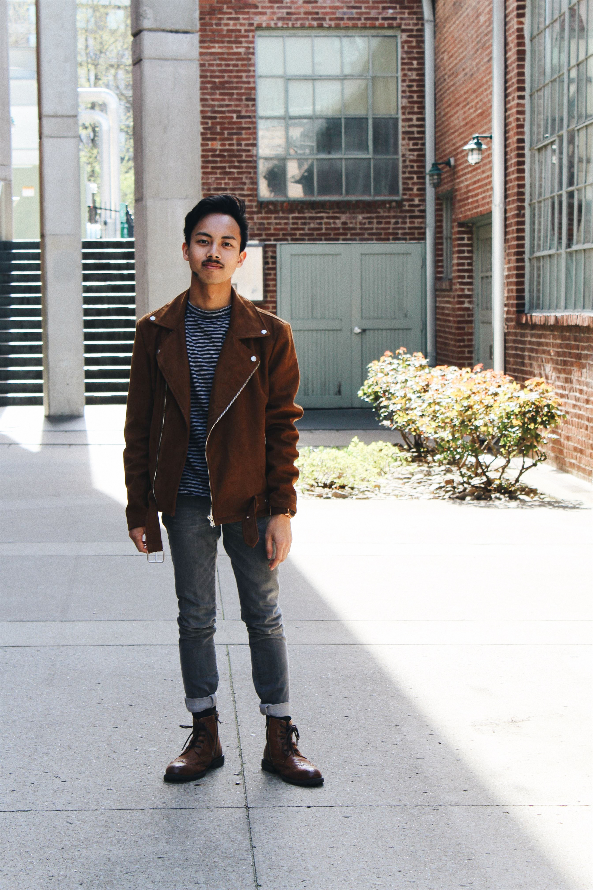 Sometimes developing a style involves stealing or copying. My boyfriend Mathew has an expensive, genuine suede moto jacket like this one. Mine is from Forever 21 and made of polyester. I try to avoid fast fashion as much as I can, so this is the only Forever 21 garment I own.