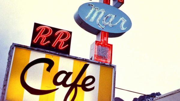 RR cafe sign