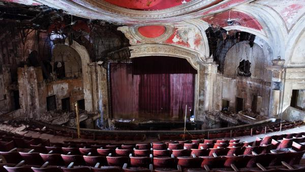 Paramount Theatre in Newark, NJ