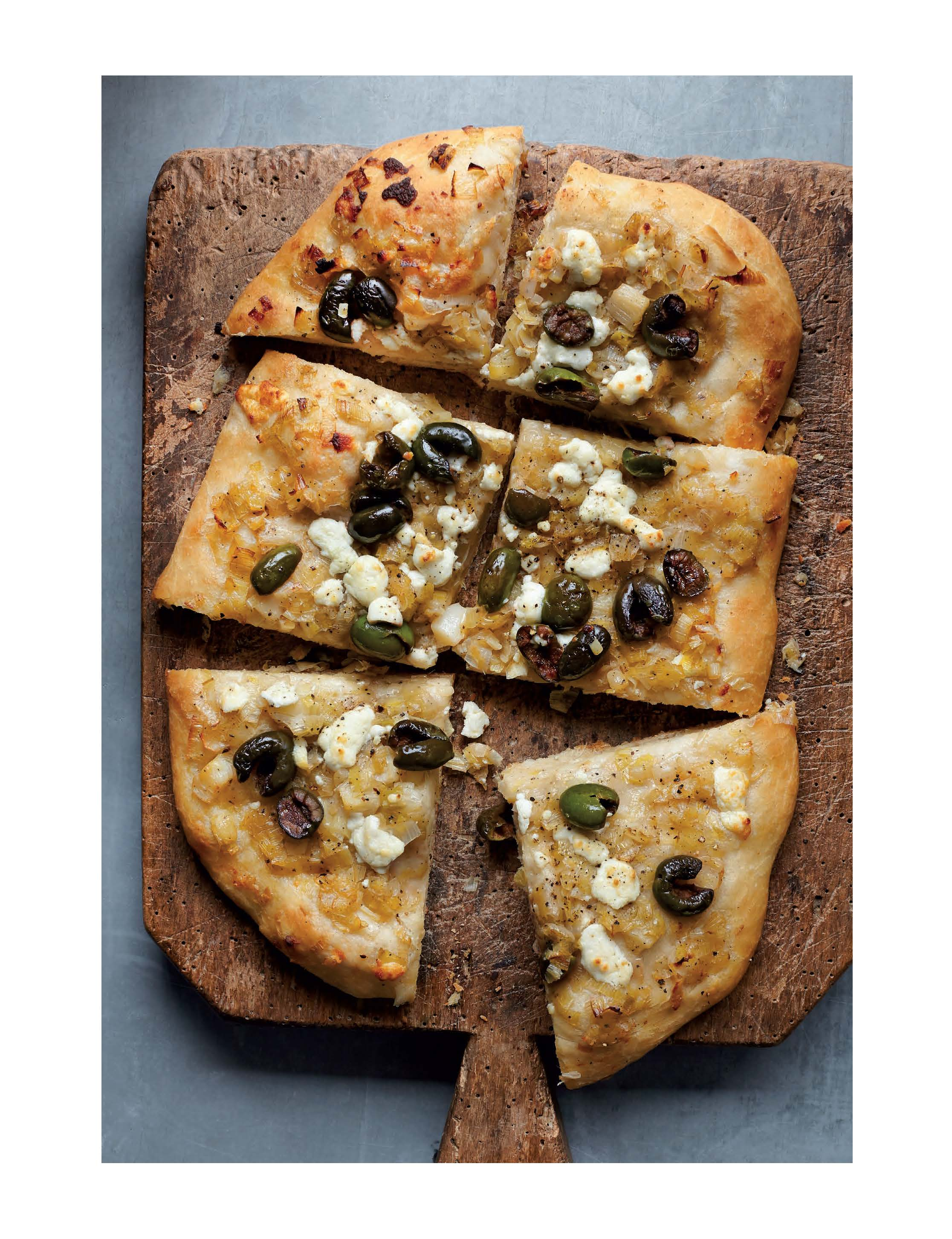 Recipe: Caramelized Leek Flatbread With Black Olives And Soft Cheese ...