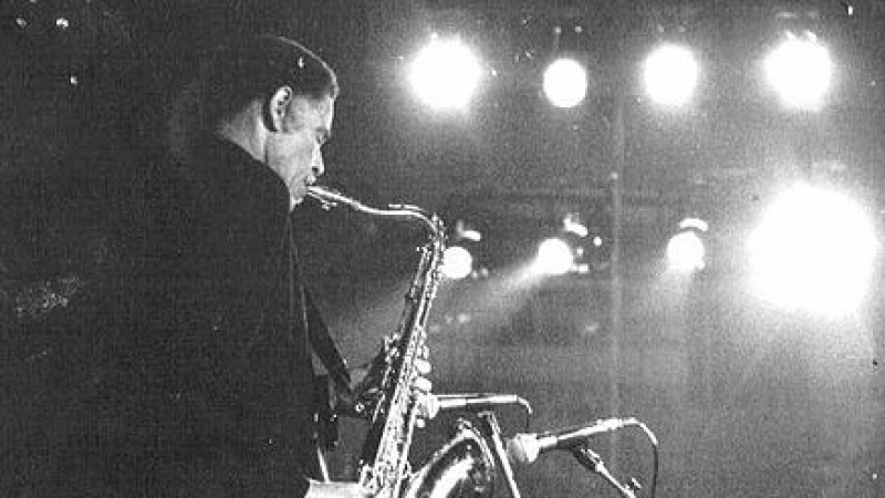 Dexter Gordon Playing Saxophone