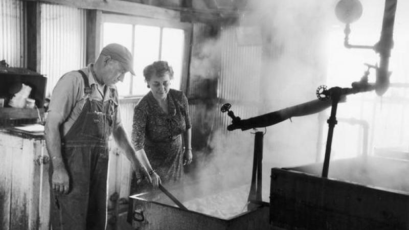 Aline Hazard recording at a show at a sorghum mill in Prairie du Chien