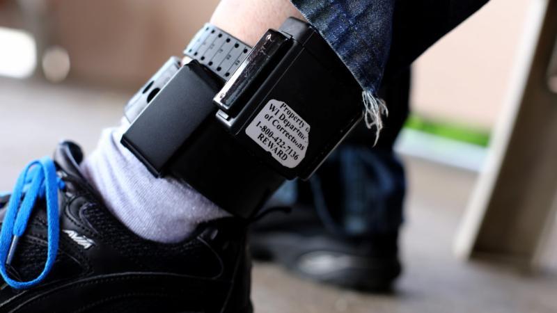 Sex offender shows GPS ankle bracelet