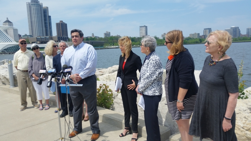 Jimmy Parra of Midwest Environmental Advocates speaks at a press conference