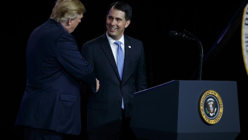 Scott Walker shaking Donald Trump's hand