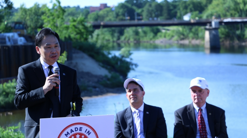 FoxconnDirector of U.S. Strategic Initiatives Alan Yeung at a press conference