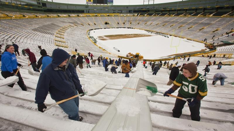Fans shovel out Lambeau Field