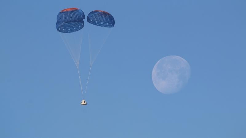 Blue Origin New Shepard crew capsule landing