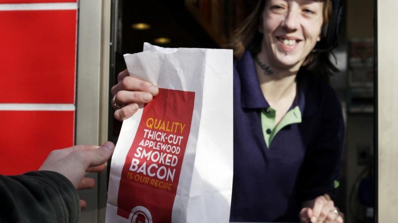 woman, fast food, low wage work, minimum wage