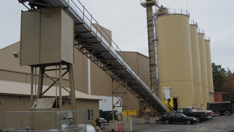 Superior Silica Sands frac sand drying and rail loading facility