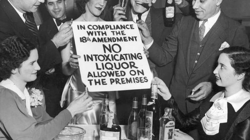 Revelers Toast the End of Prohibition in Milwaukee