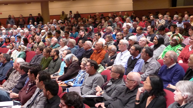 """More than 500 people came to the event called """"Islam, Muslims and the West: ISIL - our common enemy,"""" on Saturday afternoon"""