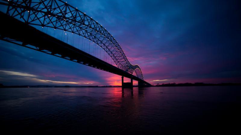 SUn sets over the Mississippi River