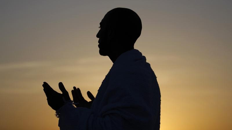 A Muslim pilgrim praying