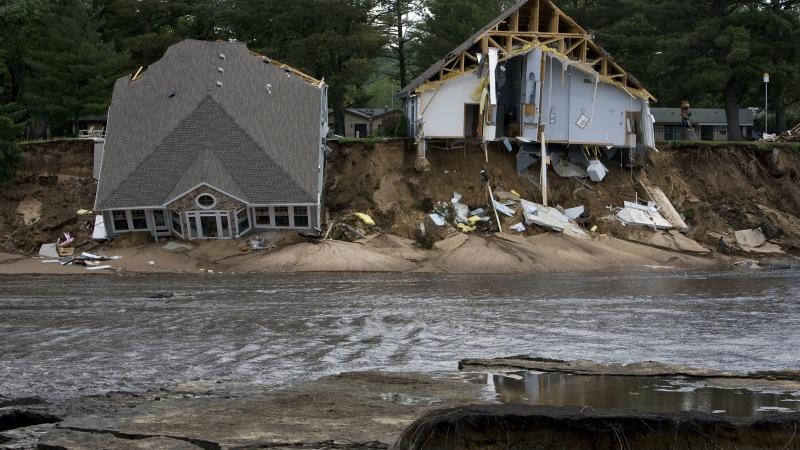 Flood damaged houses on Lake Delton