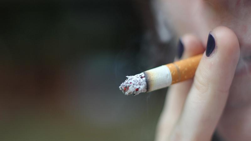 smoking, Julie (CC-BY)