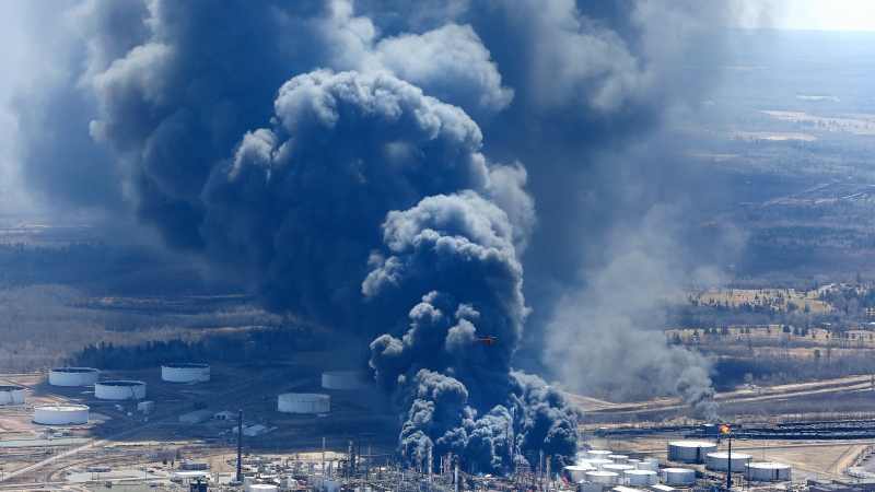Superior refinery fire