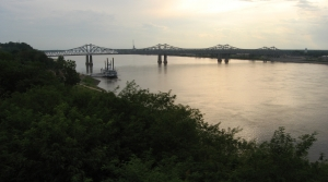 Steamboat and bridge on the Mississippi