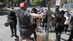 Protesters face off in Seattle, Washington