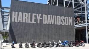 Read full article: Harley-Davidson Reopening Factories In Wisconsin, Pennsylvania