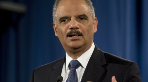 Read full article: Former US Attorney General Eric Holder Campaigns For Evers, Barnes In Milwaukee