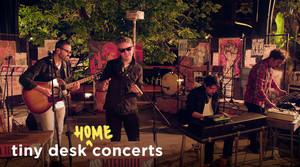 Read full article: Diamante Eléctrico: Tiny Desk (Home) Concert