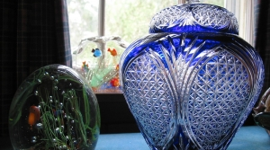 Read full article: Downsize With Ease: Get Rid Of Your Mom's Favorite Vase And Other Things You Have No Room For