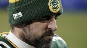 Read full article: Aaron Rodgers Clarifies Postgame Remarks About His Future