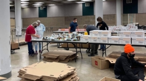 Read full article: COVID-19 Forces Groups Providing Food To Those In Need This Thanksgiving To Adapt