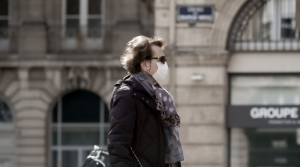 Woman walking with face mask