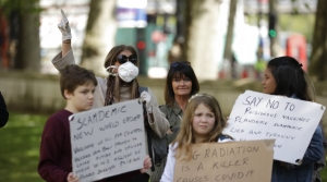Anti-mask and anti-vaccination protestors in London