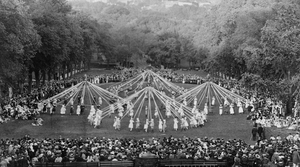 Read full article: Vintage Wisconsin: A Massive Dance Around The Maypole