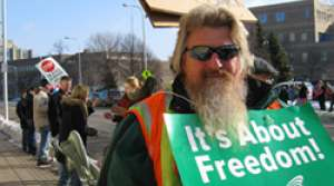 Read full article: La Crosse protesters decry passage of budget repair plan through Senate