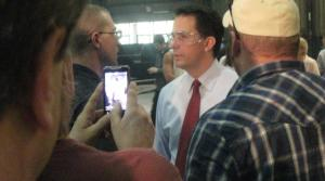 Read full article: Wisconsin governor, lawmakers, meet for brats next week