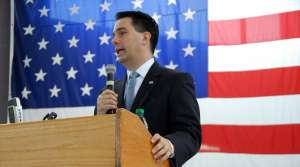 Read full article: WPR/St. Norbert Poll: Walker Approval Rating At 52%
