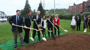 Read full article: Groundbreaking For St. Croix Bridge Unites Dems, GOP