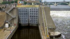 Read full article: Mississippi River Lock Could Close To Prevent Spread Of Asian Carp