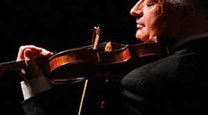 Photo of violinist Ilya Kaler