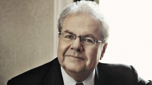 Photo of pianist Emanuel Ax