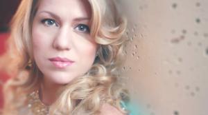 Photo of soprano Elizabeth Caballero