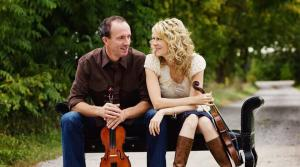 Photo of fiddlers Donnell Leahy and Natalie MacMaster