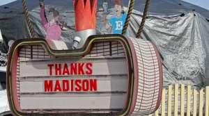 Thank you sign at Ella's Deli