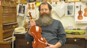 luthier Brian Derber