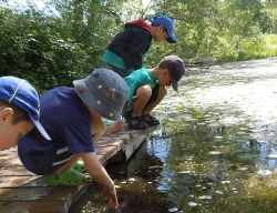 Students at Riveredge Outdoor Learning Elementary School