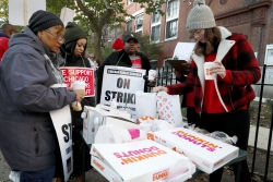 Teachers picketing in Chicago